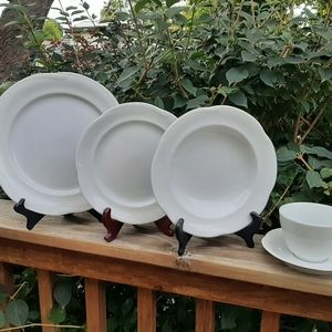 Christian Dior Provence collection blanc dinnerset